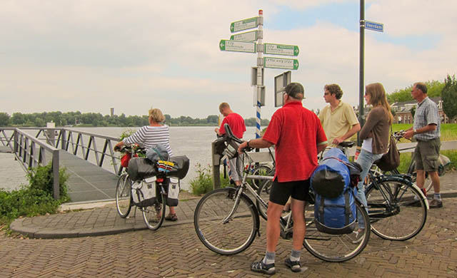 self guided bike tours in north-holland